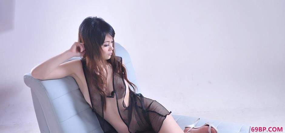 沙发床上透明装超模善若1_欧美丰满大乳大屁股