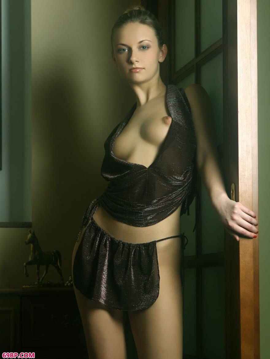 国外美人琳达室内人体艺术3