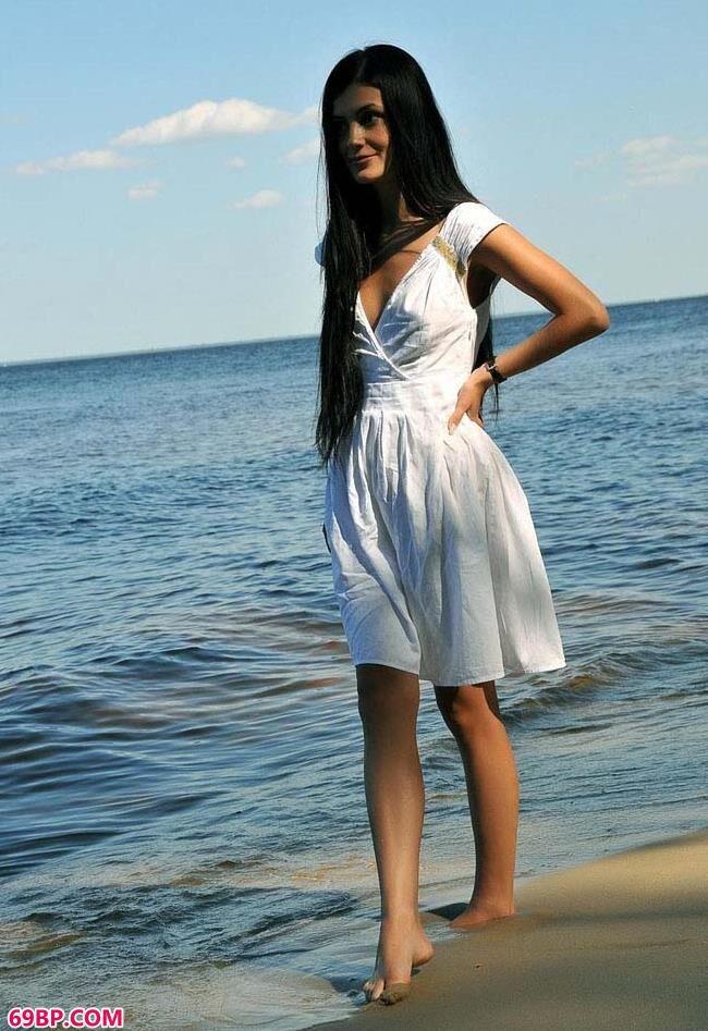 湖畔的修长美模_欧洲美妇做爰www