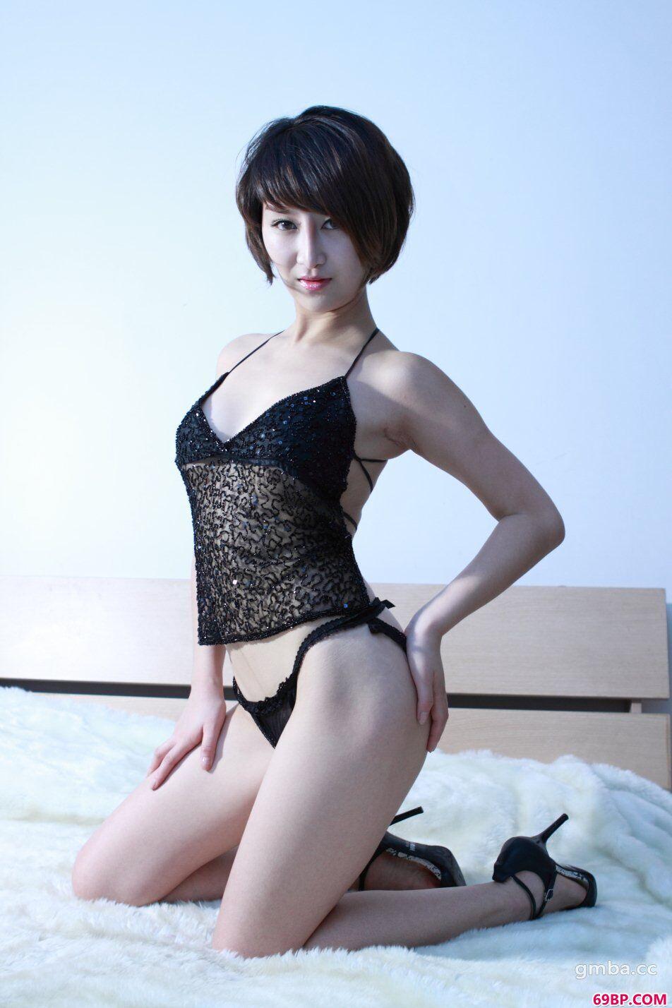 国模玟玟床上高清人体私房_柳州宾馆模特大胆炮轰图