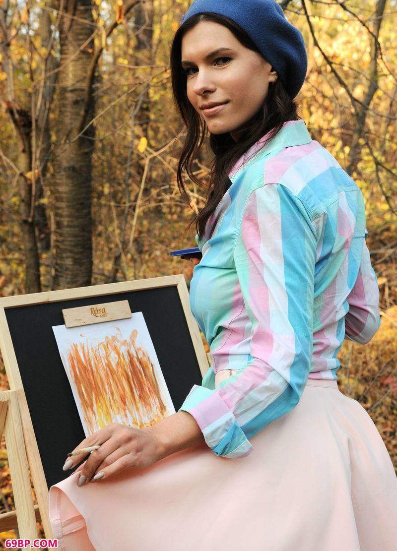室外油画嫩模Suzanna