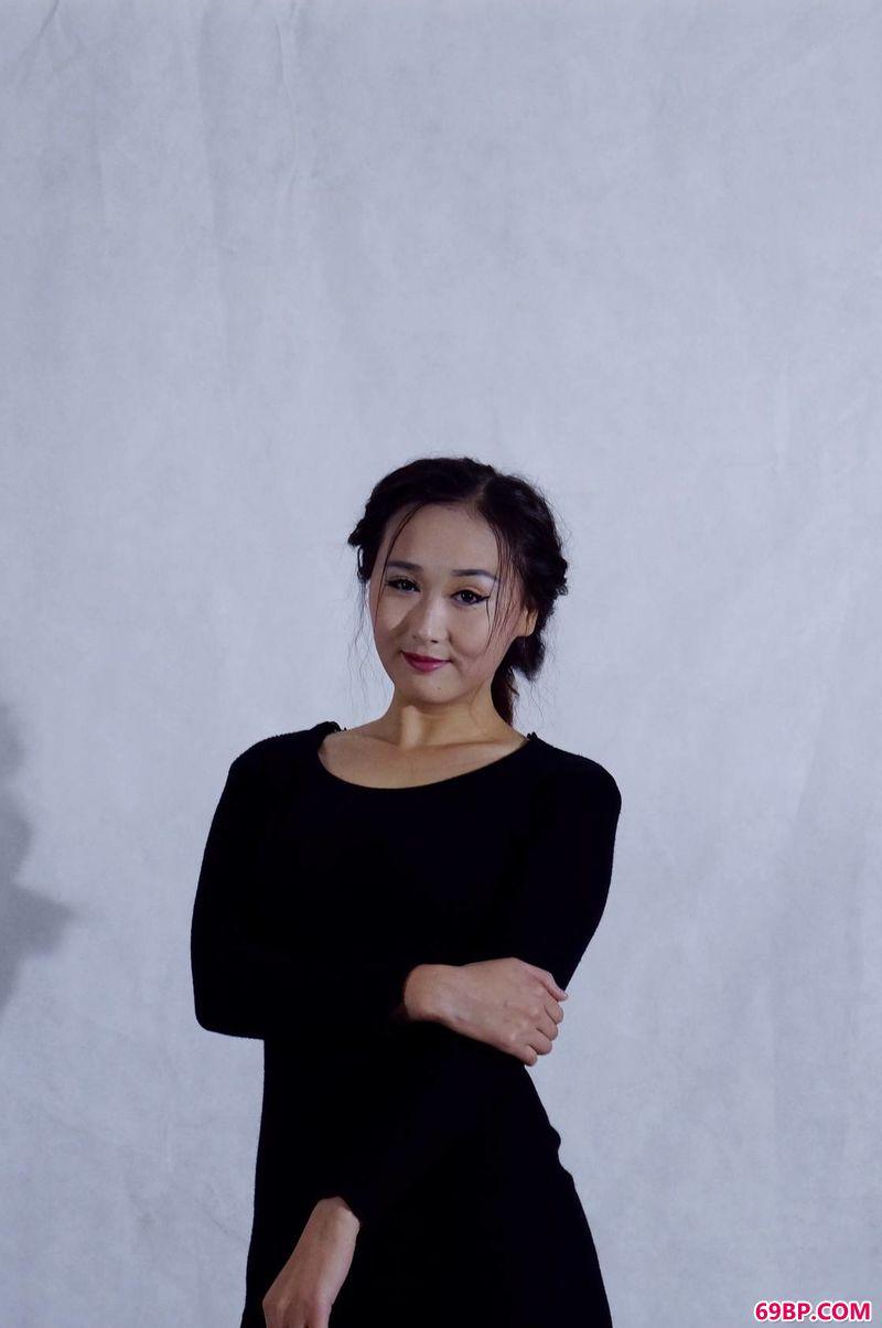 xixi模特乔若彤室拍作品_超多超嫩国产在玩弄